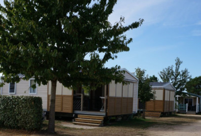 location-mobile-home-confort-3-chambres-avec-tv-camping-de-la-plage-de-fermanville-cotentin-normandie